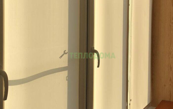 Установка шкафа и рольштор на балкон